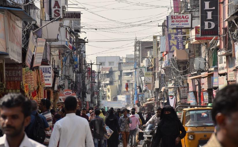 Hyderabad – Eine graue Stadt voller bunterGeschichten?